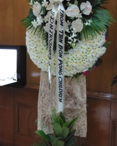 2 layer -Funeral standing Wreath – white
